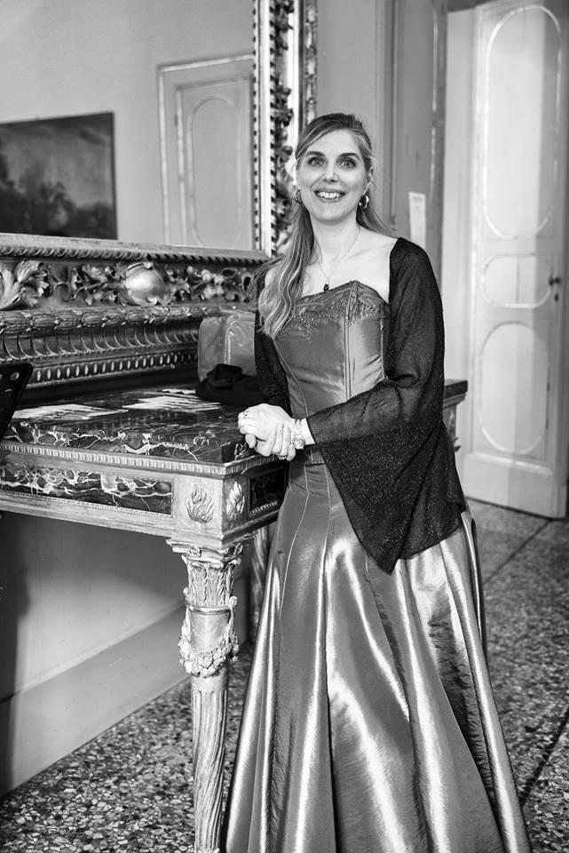 Valeria D'Astoli maestra di canto a bologna